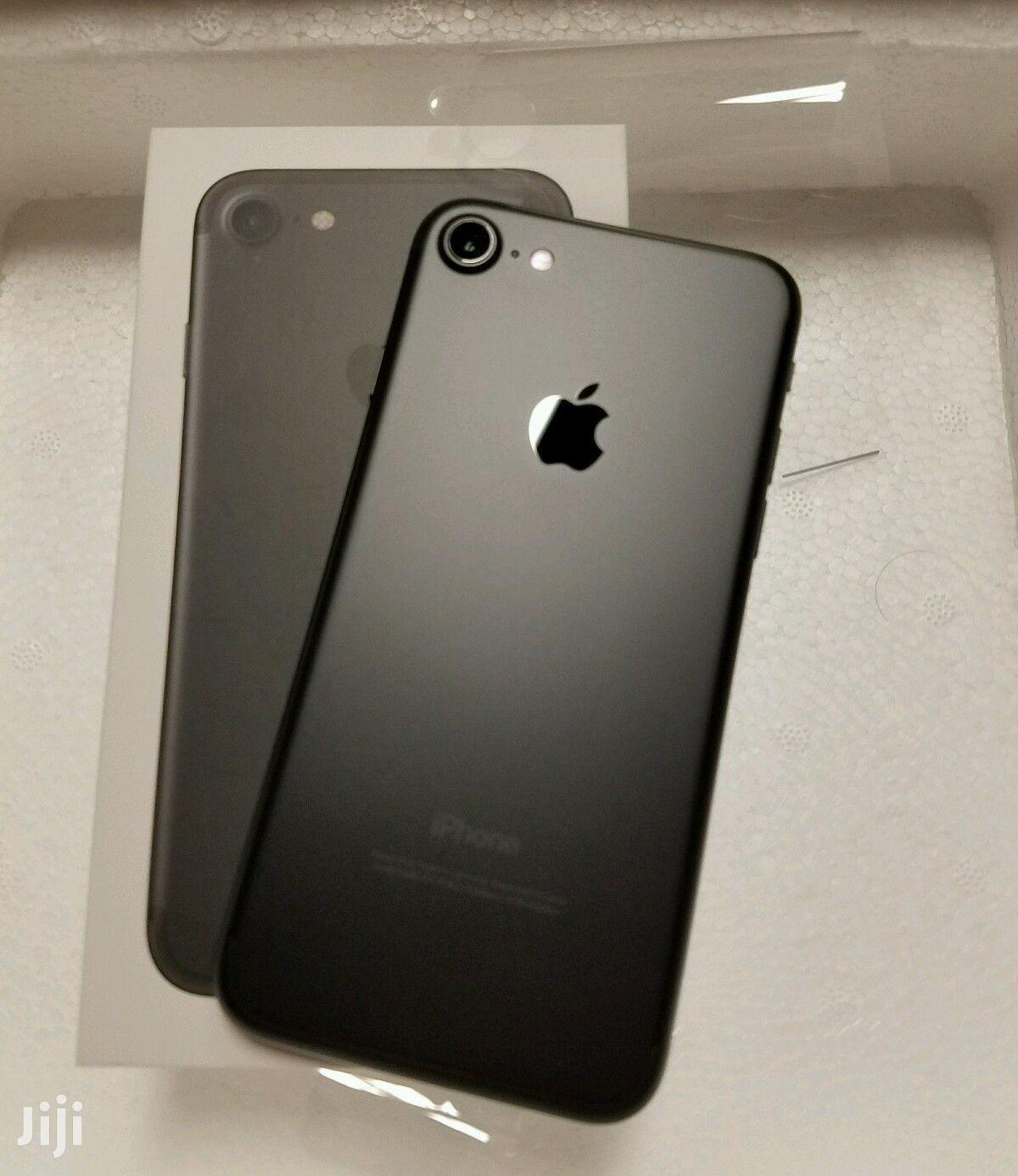 New Apple iPhone 7 128 GB Black