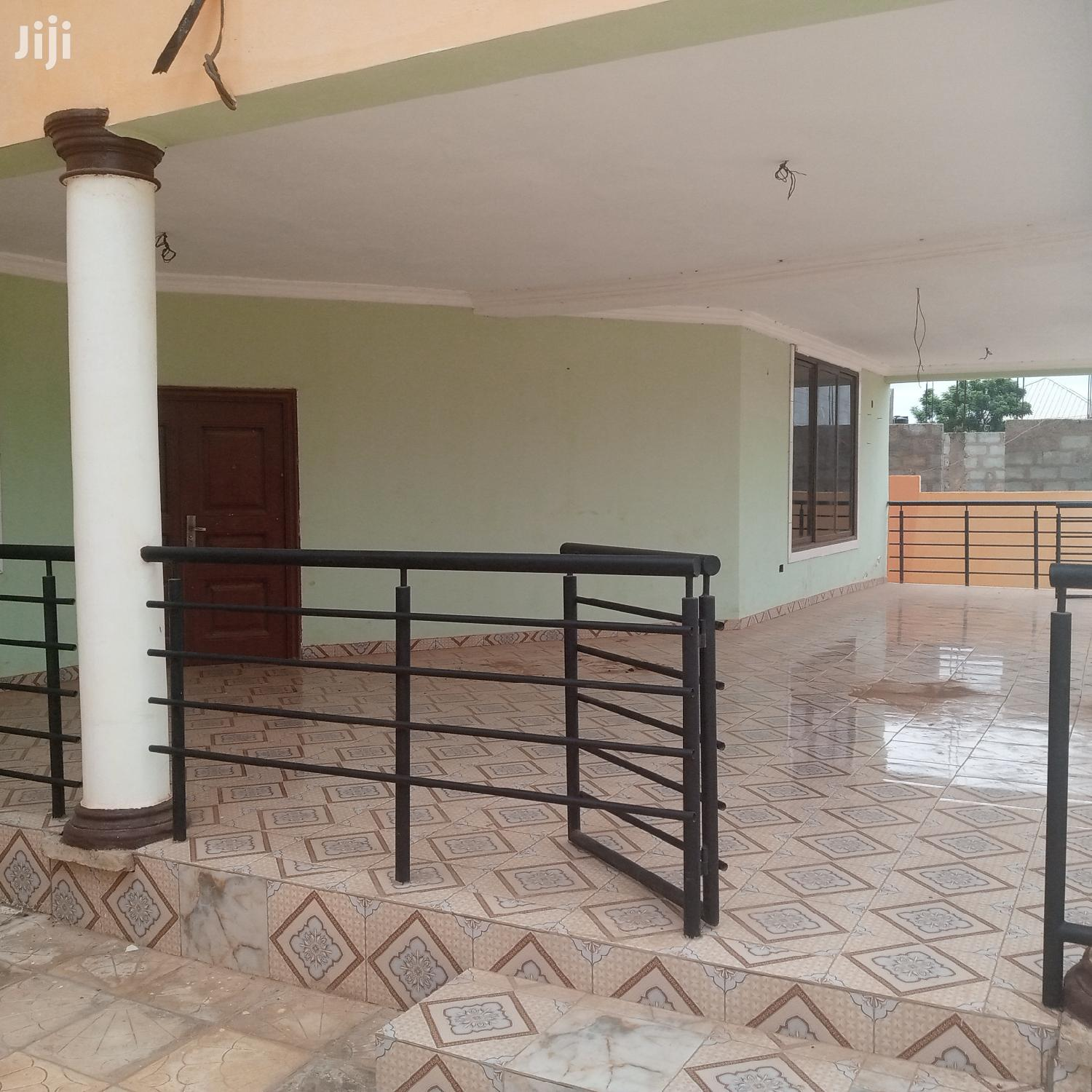 Big Single Rooms in a Mansion for Students Only | Houses & Apartments For Rent for sale in Madina, Greater Accra, Ghana