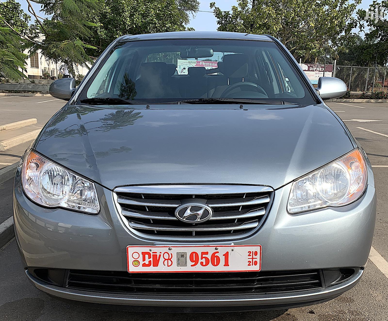 Archive: Hyundai Elantra SE 2010