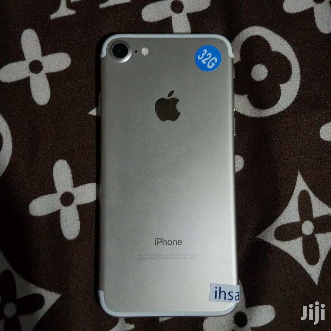 Archive: New Apple iPhone 7 32 GB White