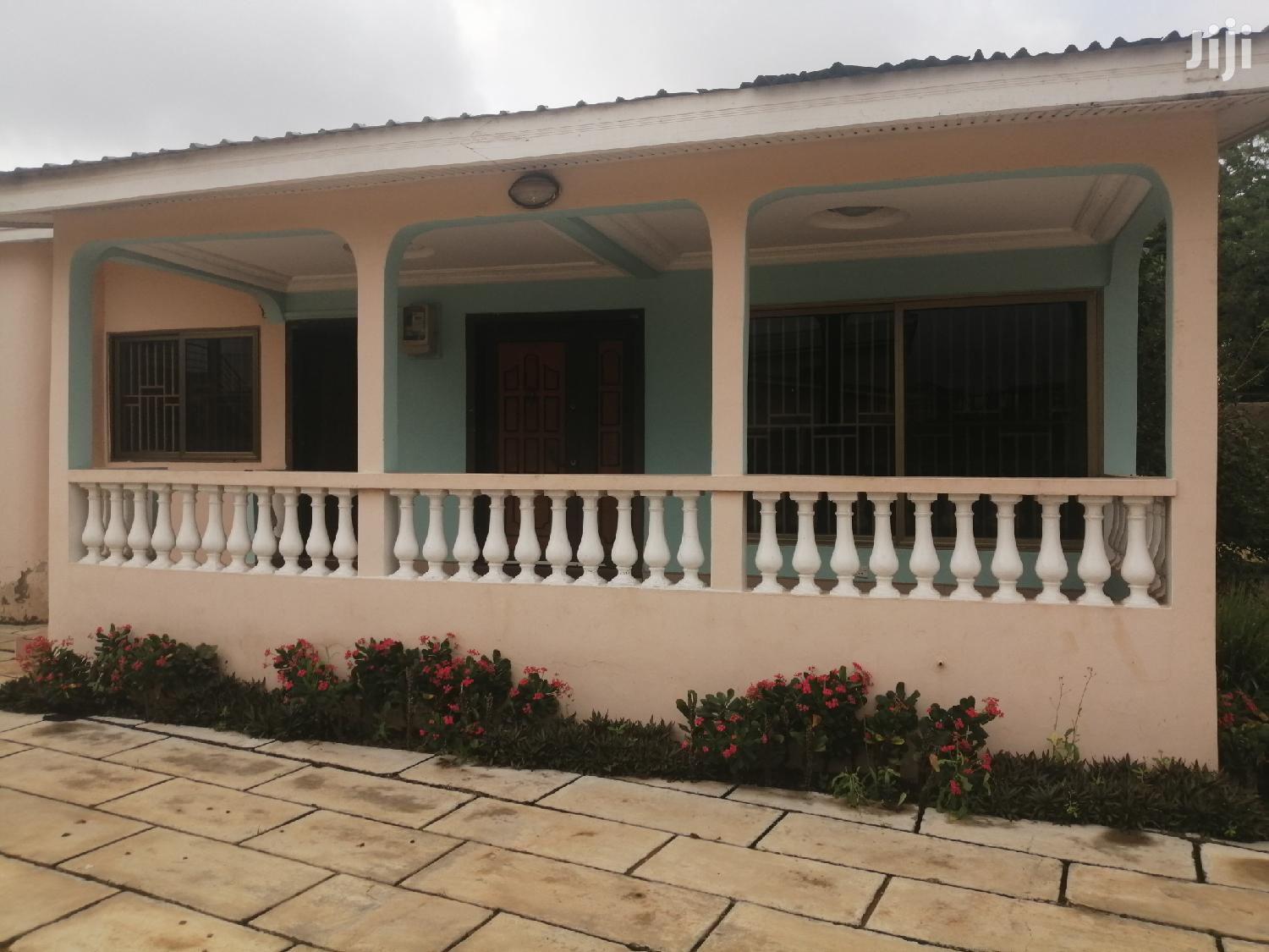 Neat 3 Bedroom For Rent At Botwe School Junction | Houses & Apartments For Rent for sale in Madina, Greater Accra, Ghana