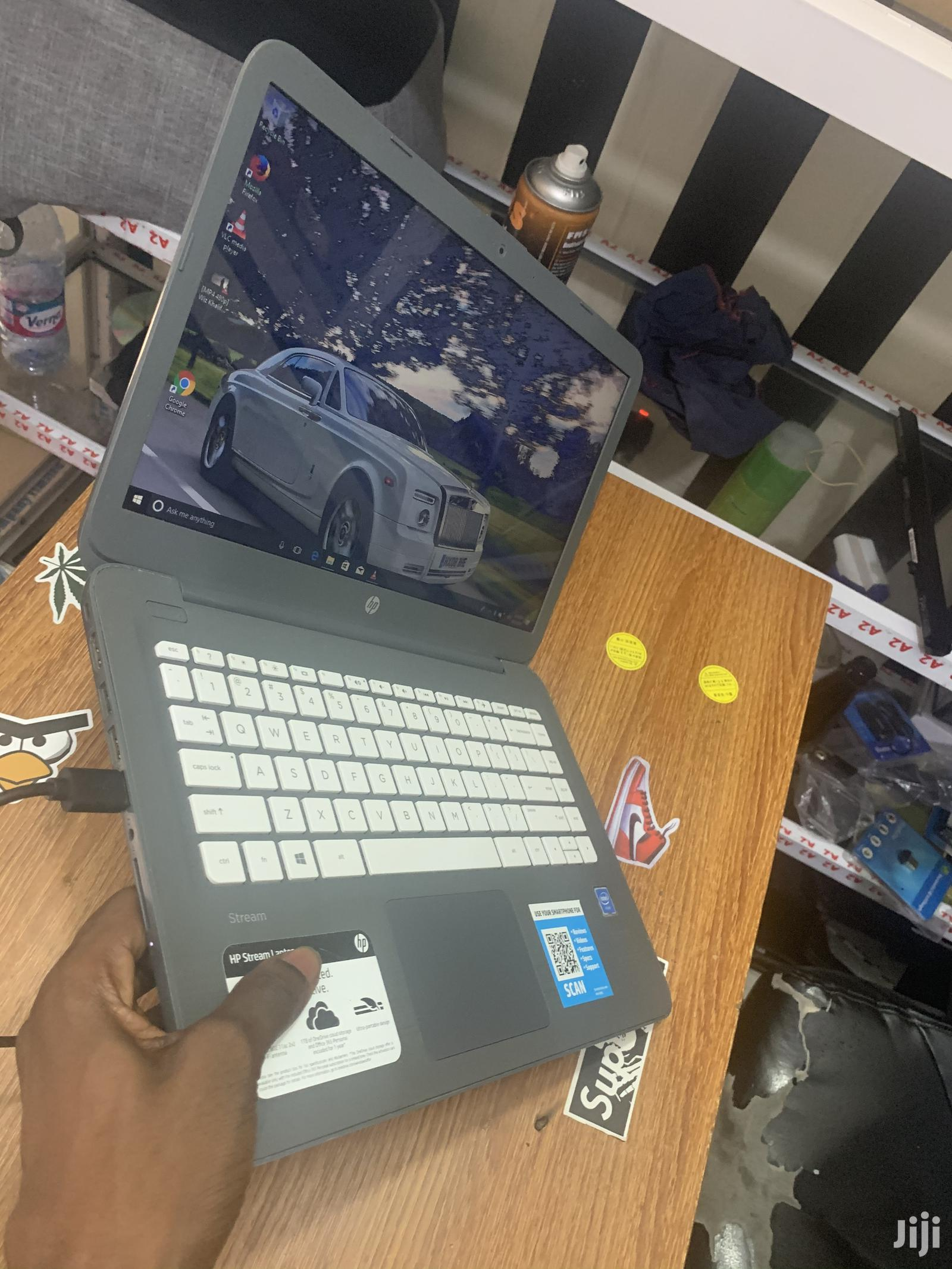 Laptop HP Stream Notebook 4GB Intel Celeron SSD 32GB | Laptops & Computers for sale in Kokomlemle, Greater Accra, Ghana