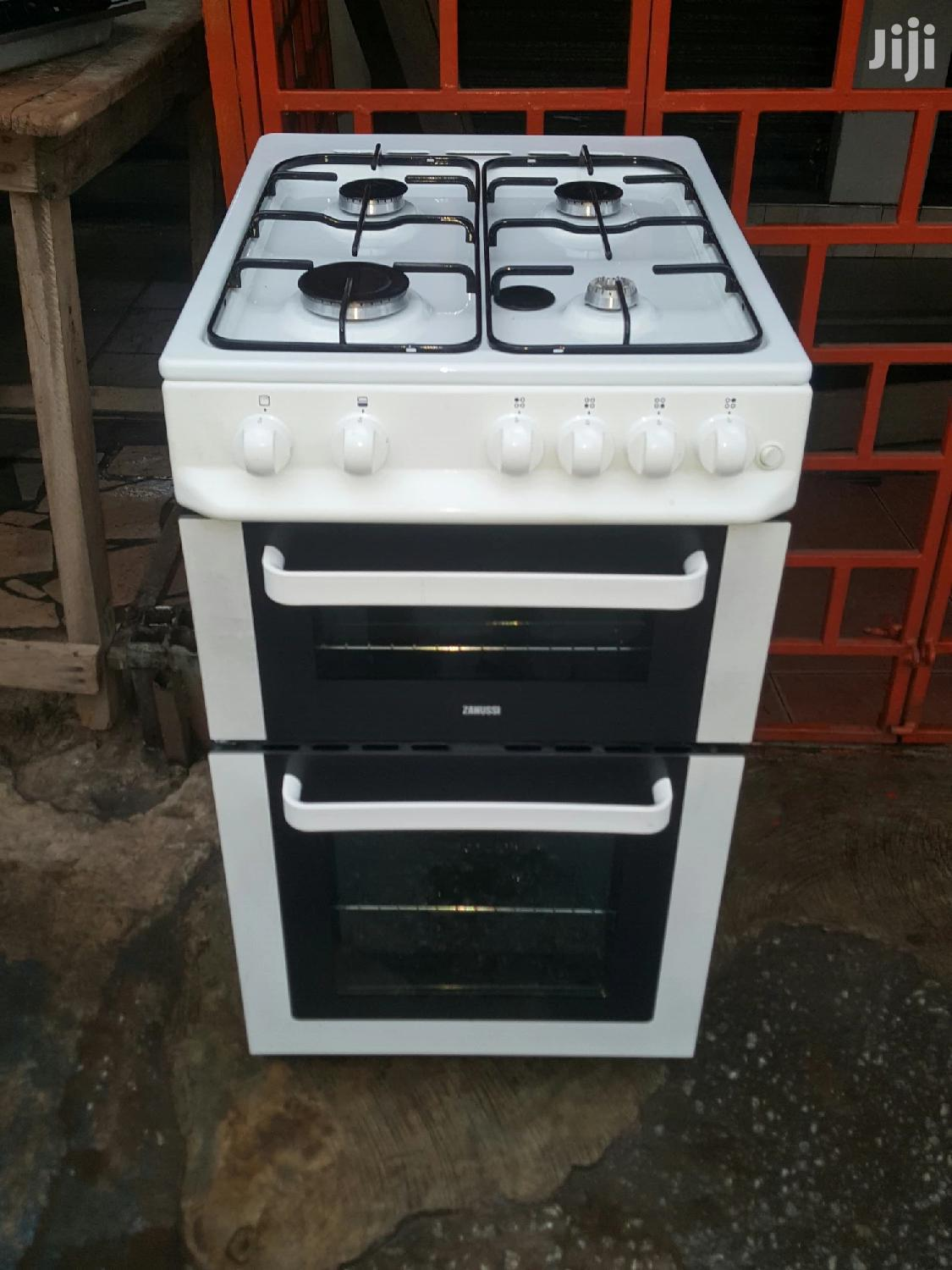 Archive: Gas Cooker With Oven and Grill