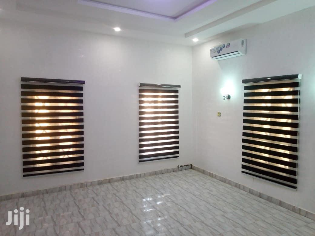 Modern Window Blinds Perfect For Homes,Offices,Churches,Etc
