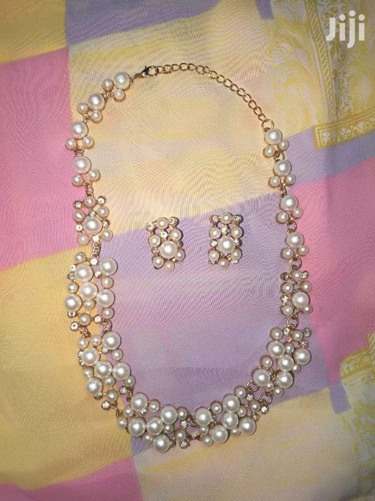 Pearls Necklace and Earrings Set