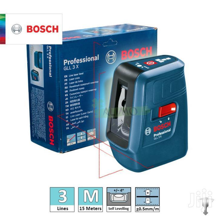 Bosch Self-leveling Cross-line Laser(Gll 3X) + Tripod