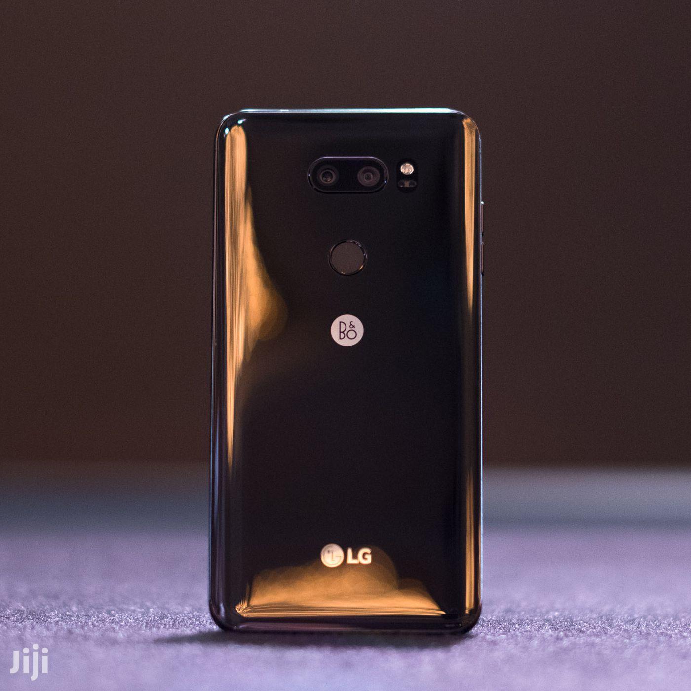 New LG V30 64 GB