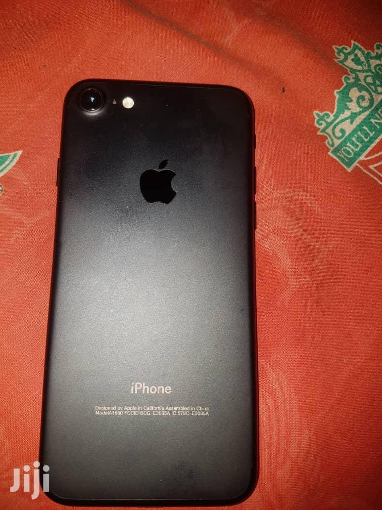 Apple iPhone 7 32 GB Gray