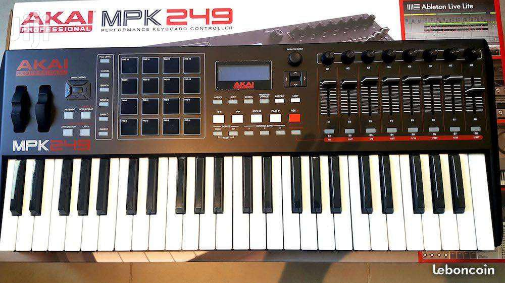 Archive: Akai Professional MPK 249 - Performance Keyboard Controller
