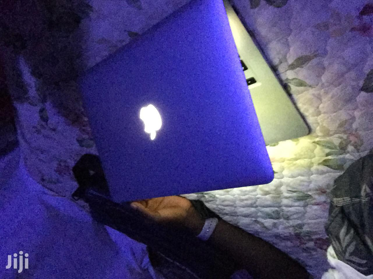 Archive: Laptop Apple MacBook Air 4GB Intel Core I5 128GB