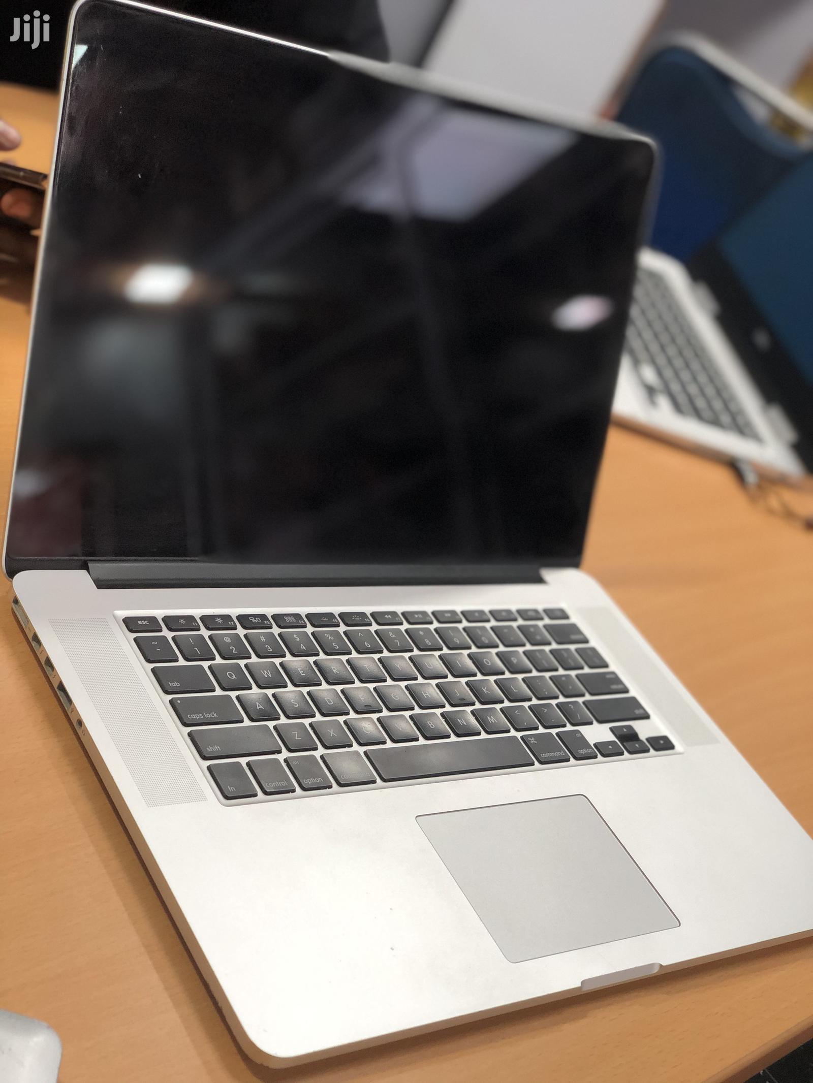 Laptop Apple MacBook Pro 16GB Intel Core I7 256GB