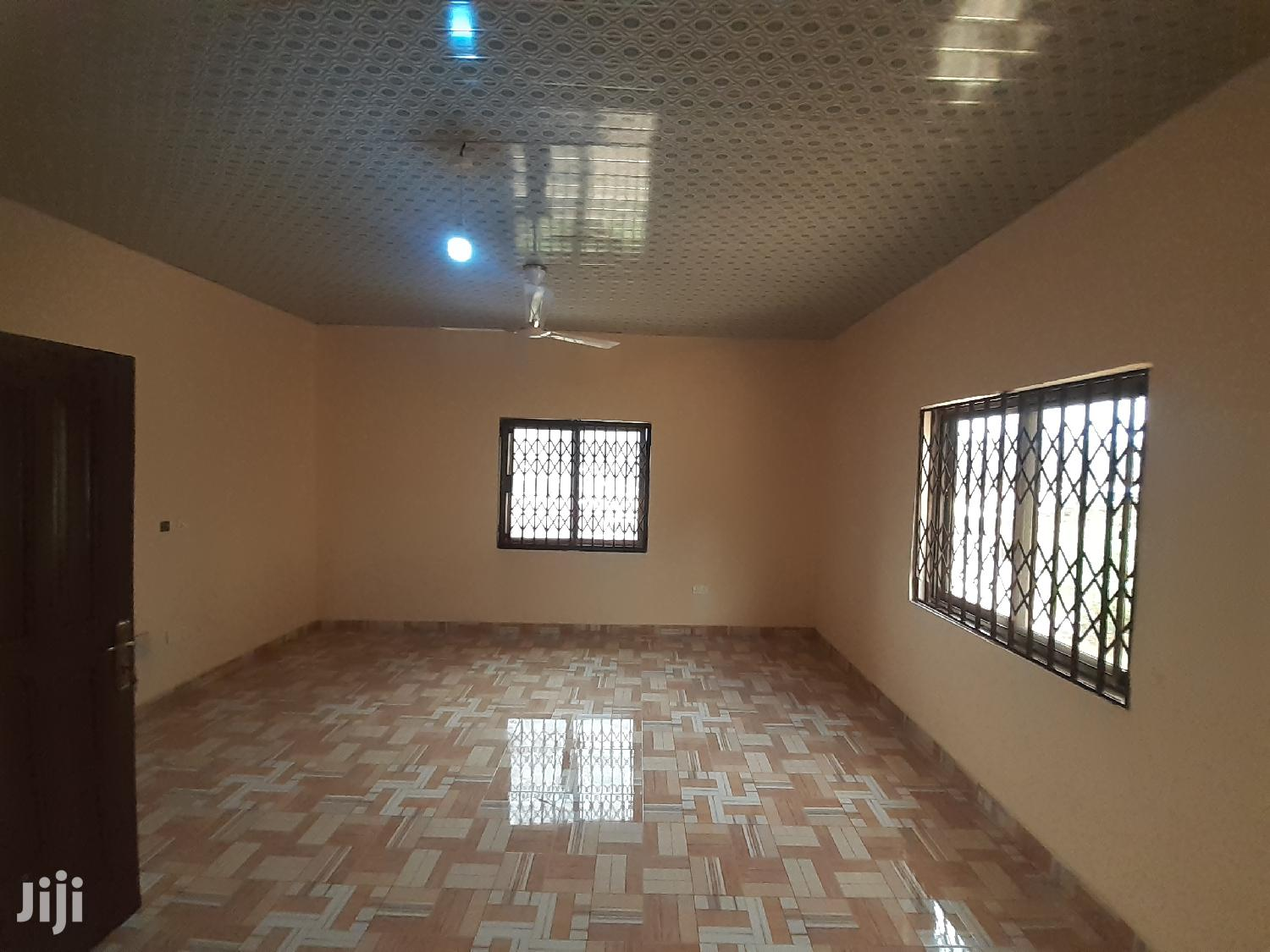 Archive: Exec 3bedroom Apartment for Rent at Ashongman Estate