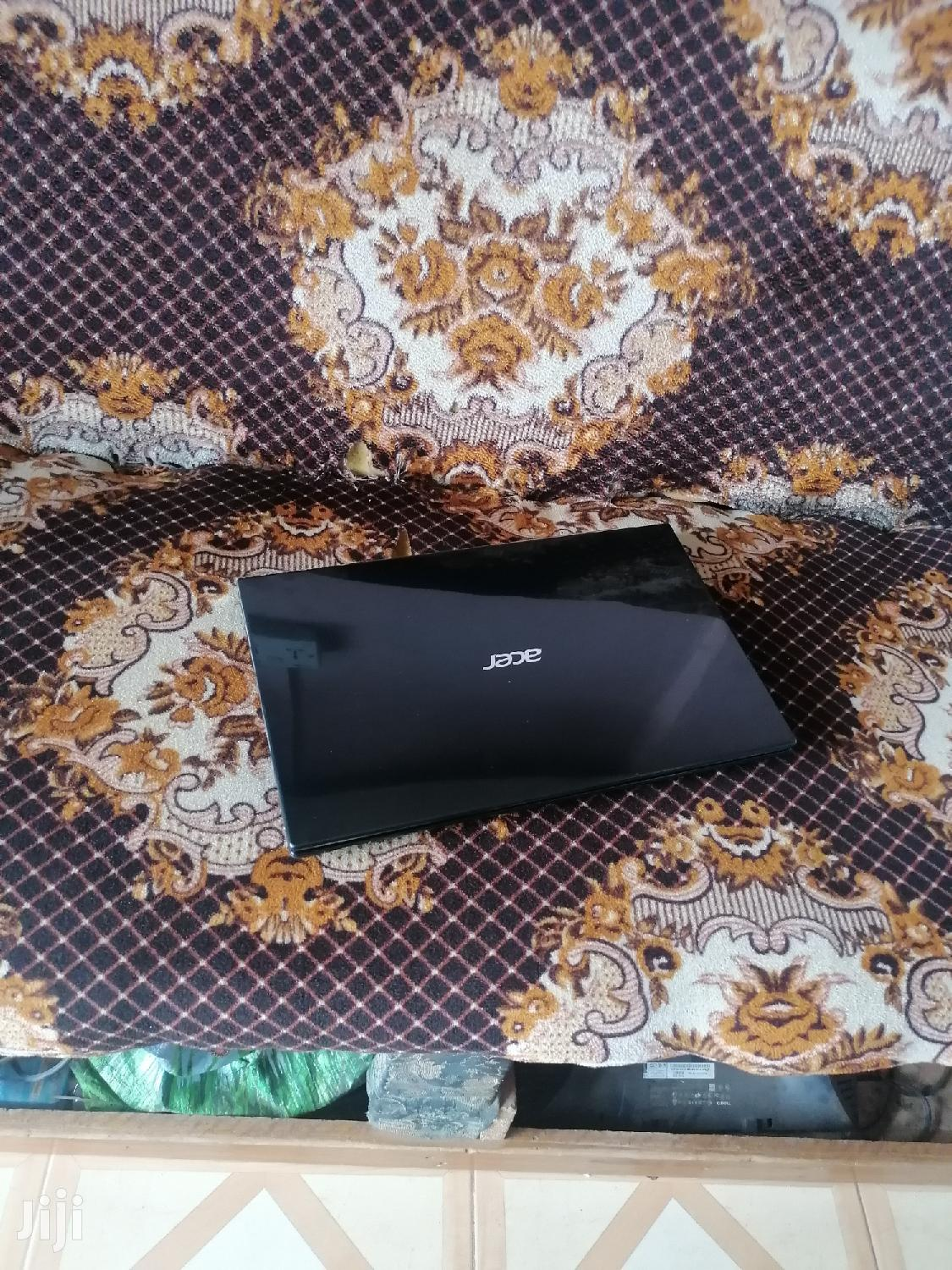 Archive: Laptop Acer 4GB Intel Core i5 HDD 500GB