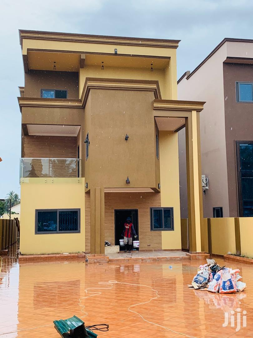 Outstanding 6bedroom House At East Legon