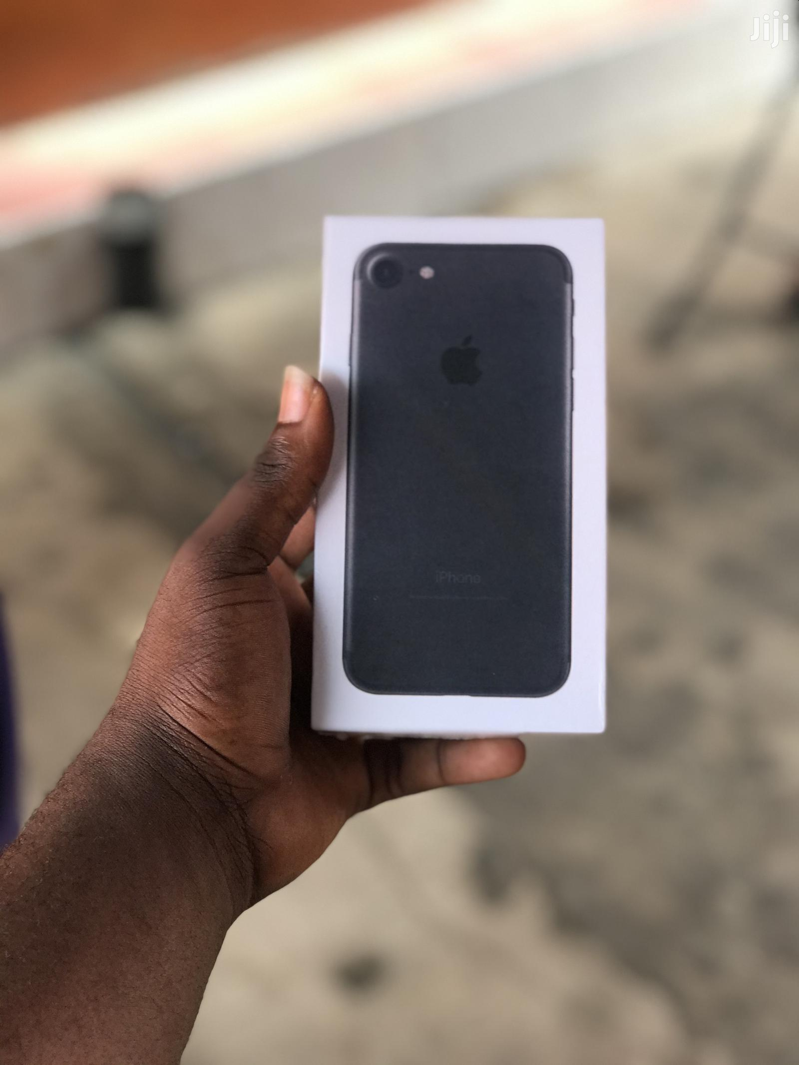 Archive: New Apple iPhone 7 128 GB