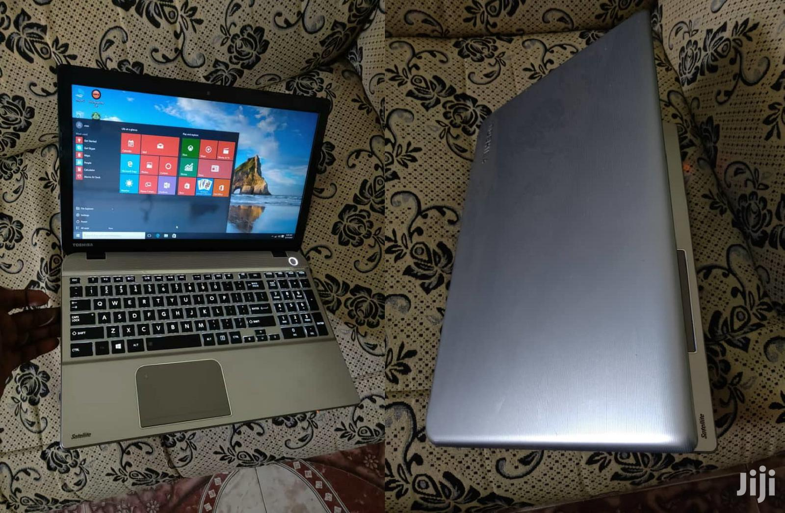Laptop Toshiba Satellite A350 8GB Intel Core I5 HDD 500GB | Laptops & Computers for sale in Tema Metropolitan, Greater Accra, Ghana
