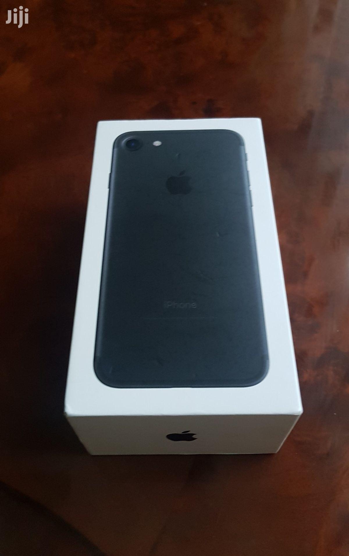 Archive: New Apple iPhone 7 128 GB Black