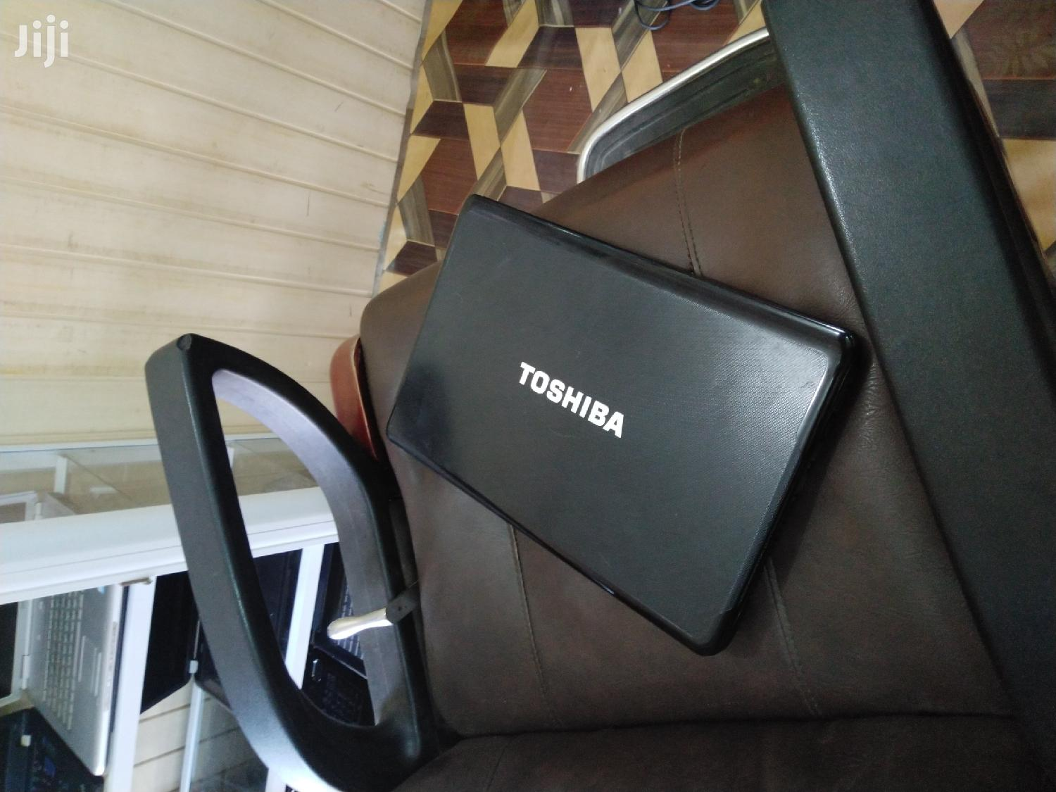 Archive: Laptop Toshiba Satellite A500 4GB Intel Core I5 HDD 500GB