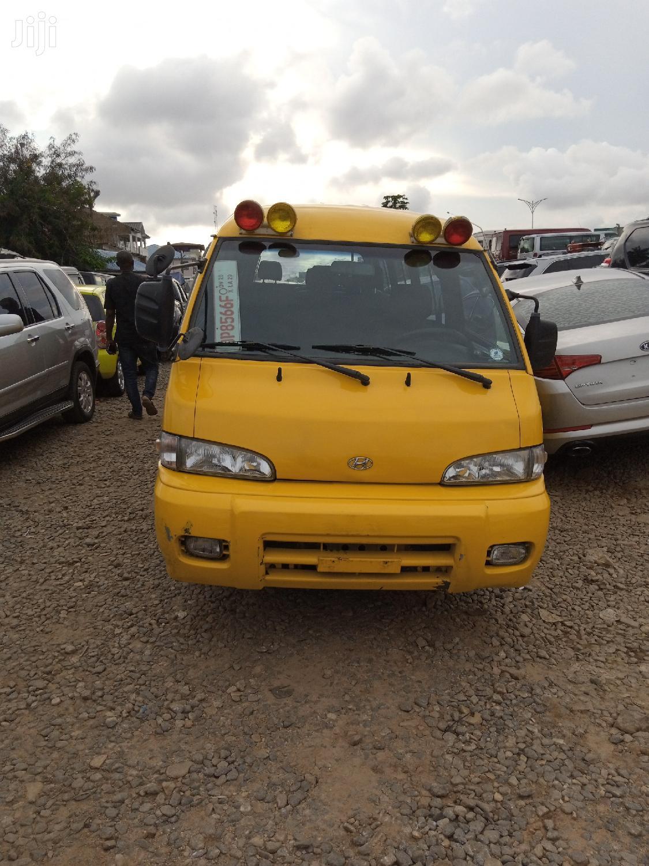 Hyundai H100 Yellow