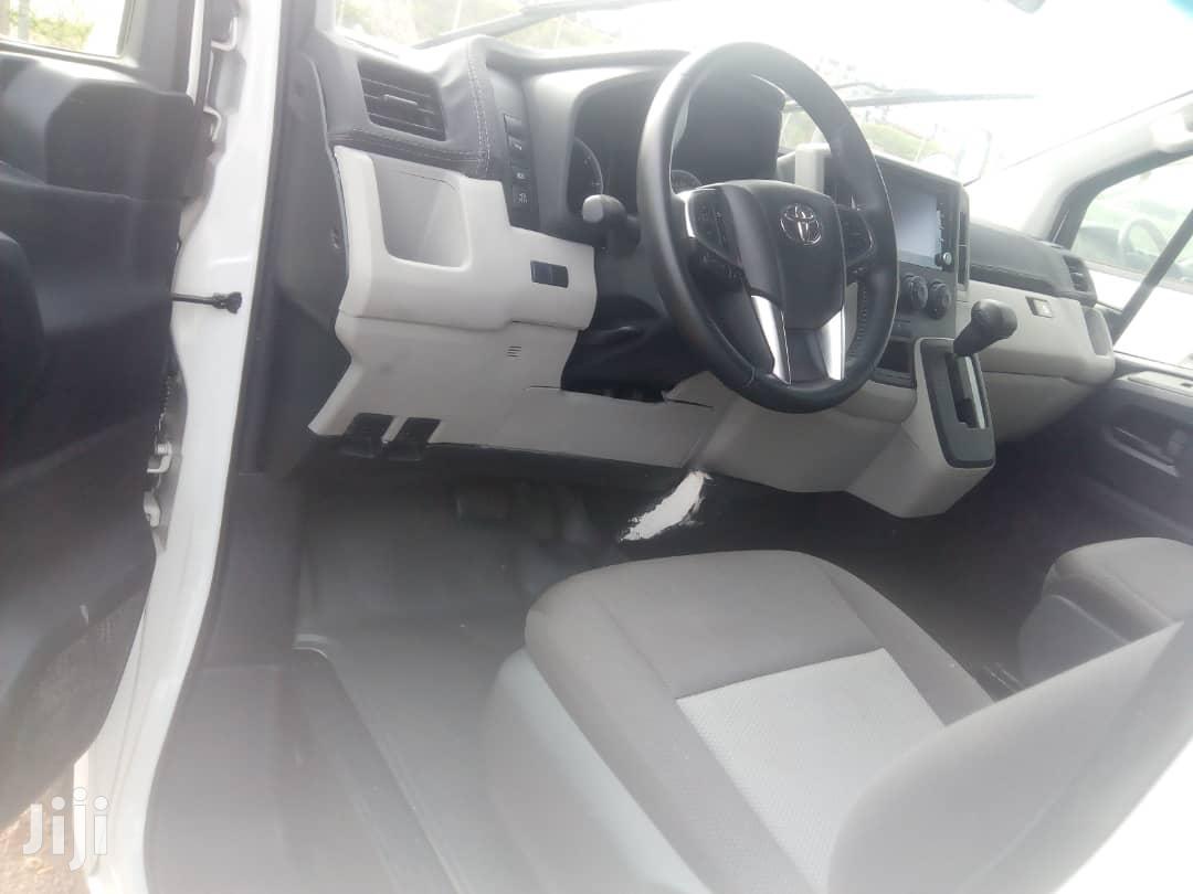 Archive: Toyota Hiace 2019 White