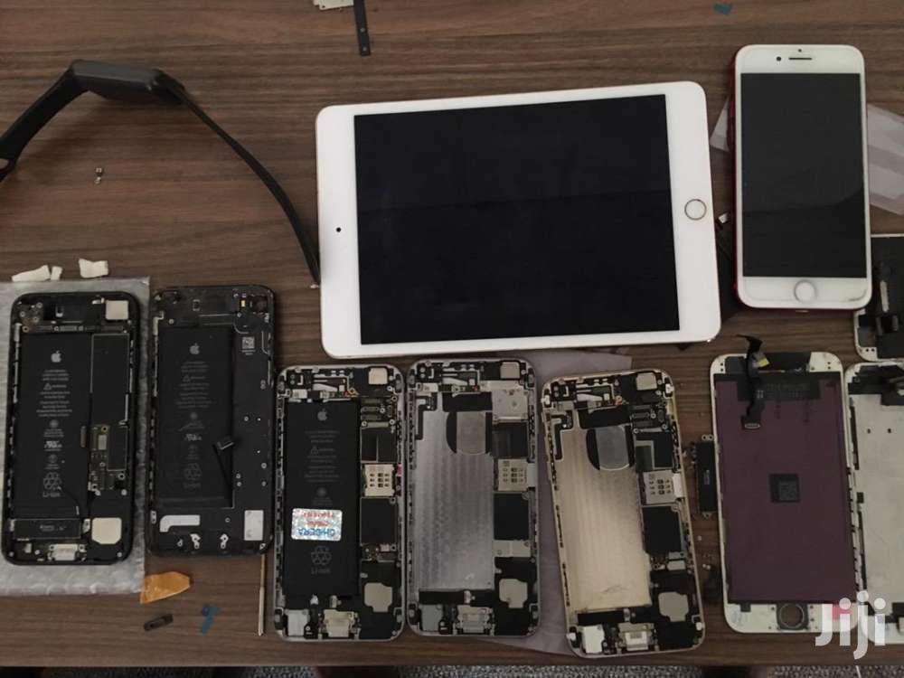 iPad/ iPhone Repairs