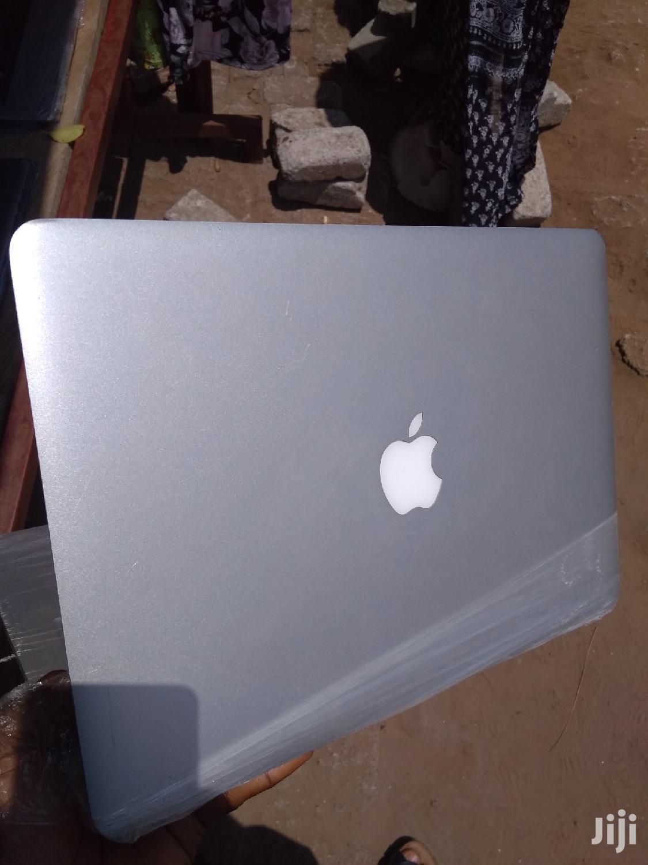 Archive: Laptop Apple MacBook Air 4GB Intel Core i5 SSD 128GB