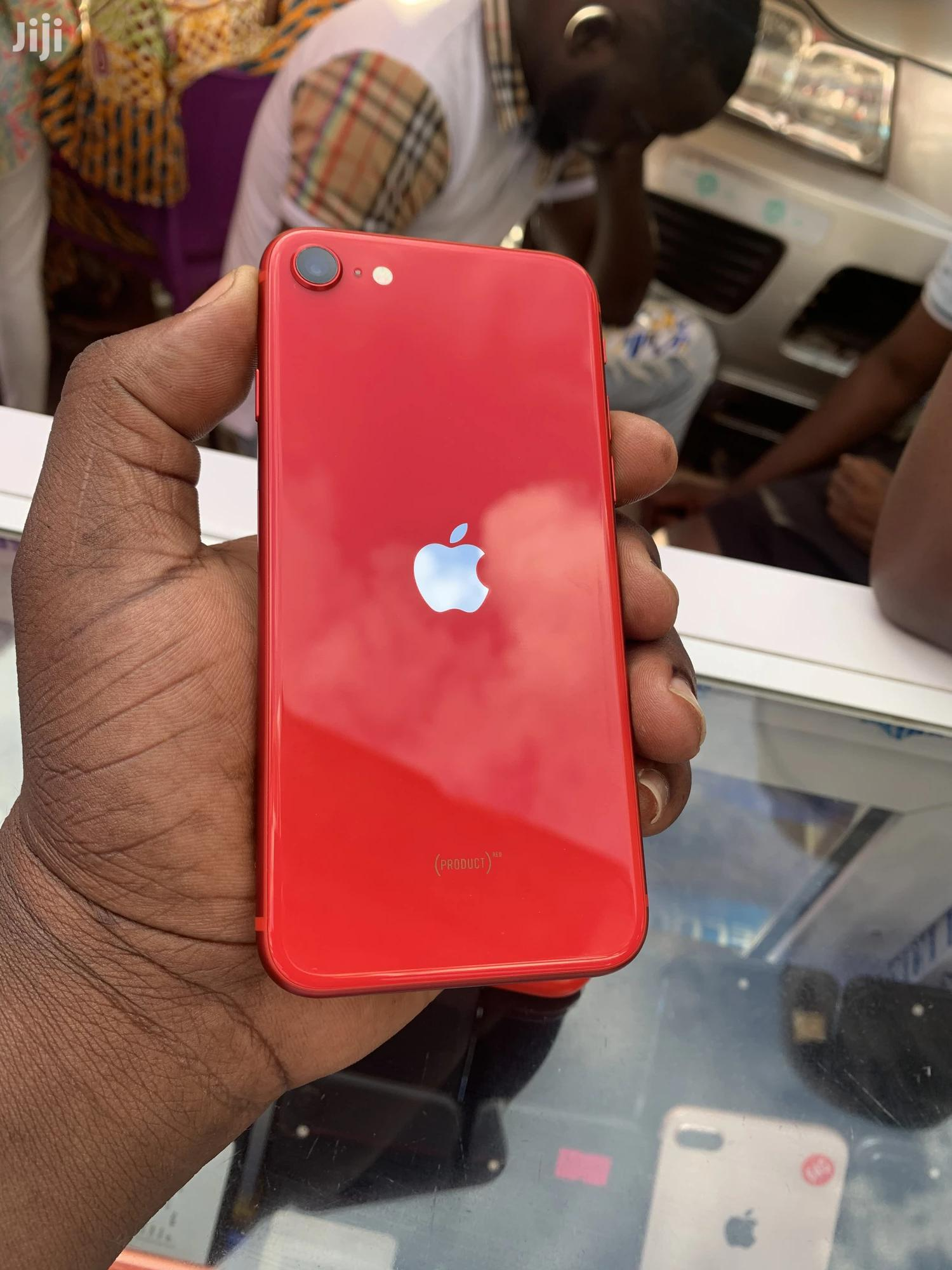 Apple iPhone SE (2020) 64 GB Red