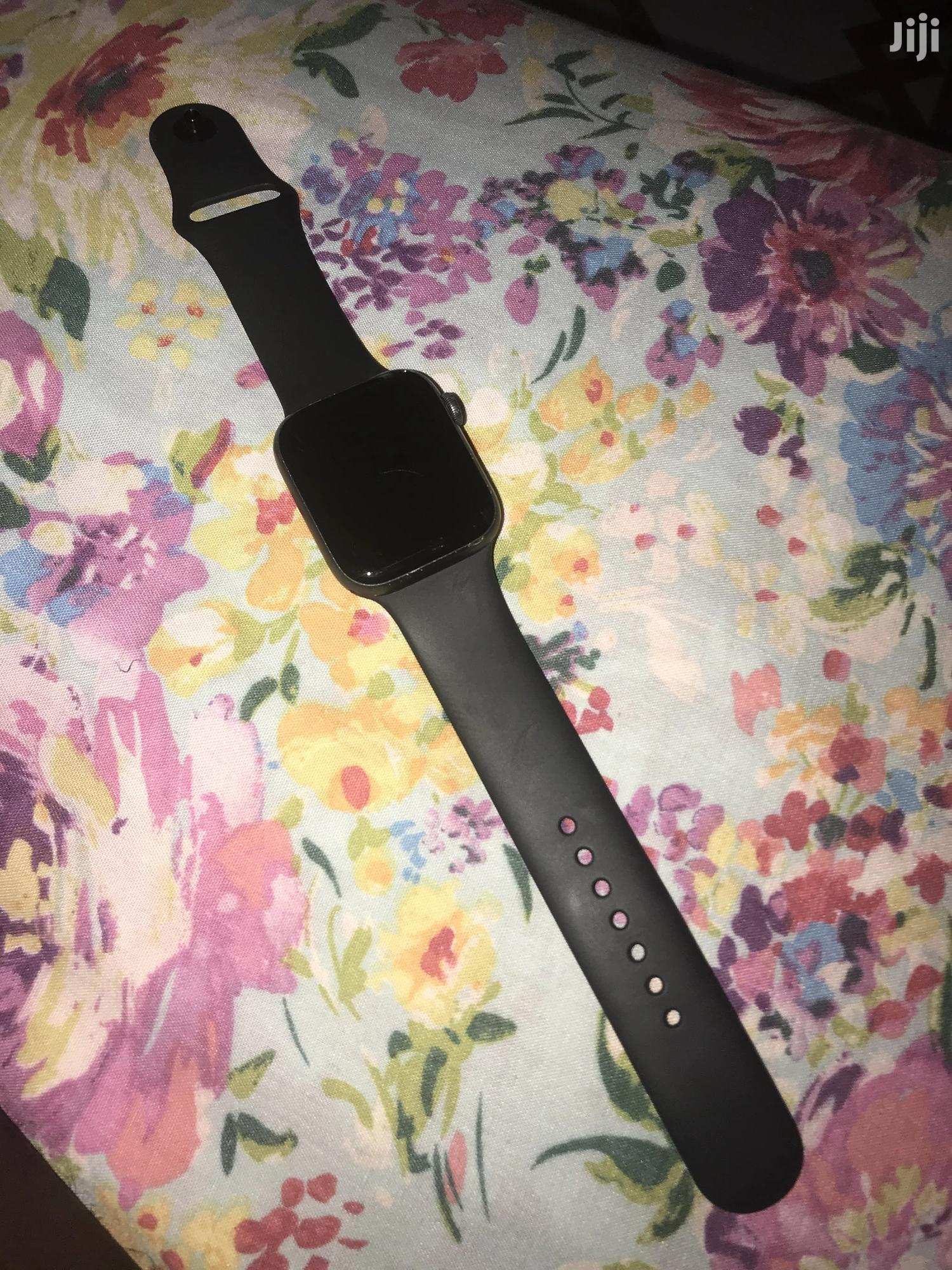 Archive: Used Apple Watch Series 4, 44mm Cellular + GPS