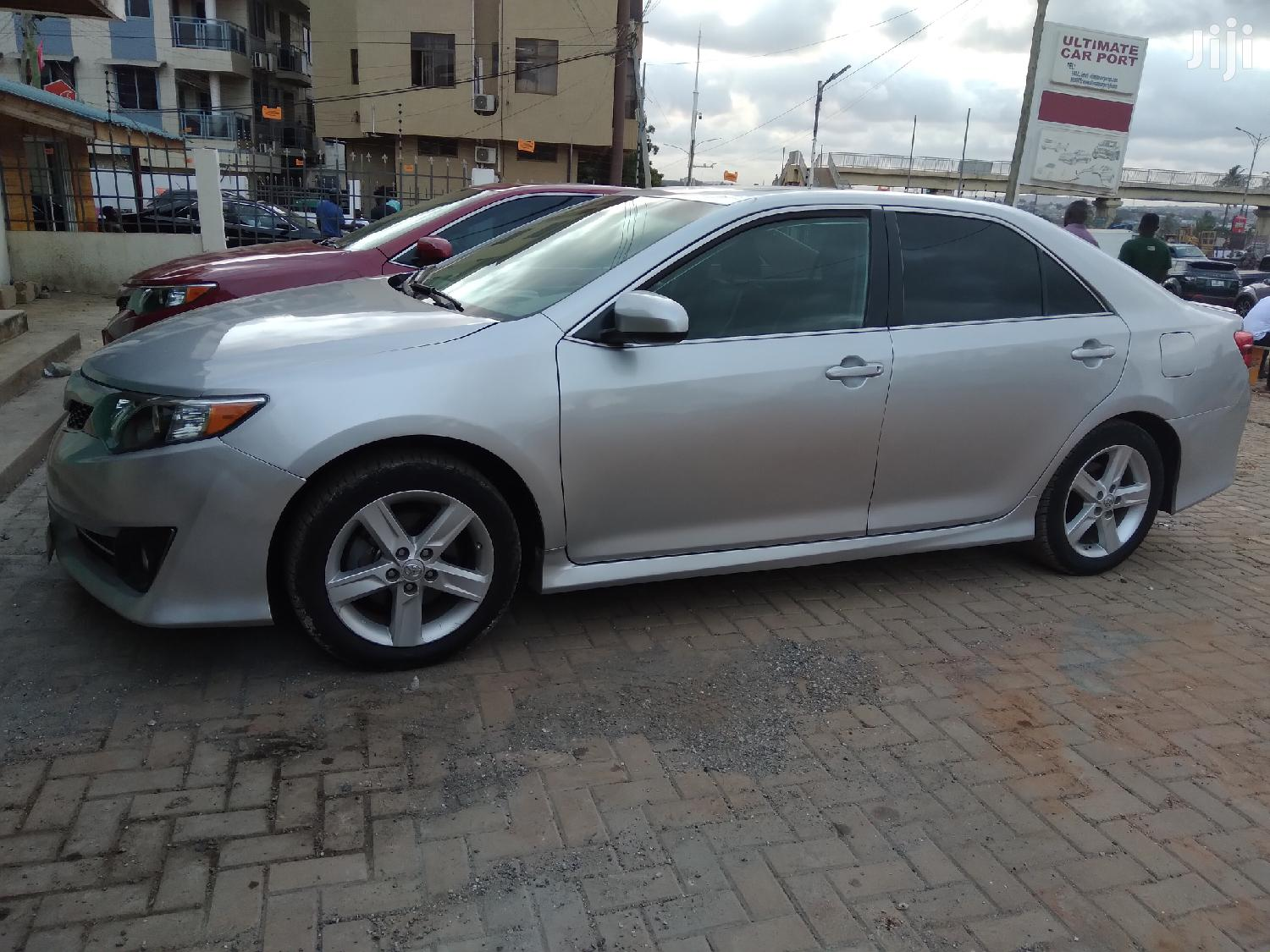 Archive: Toyota Camry 2012 Silver