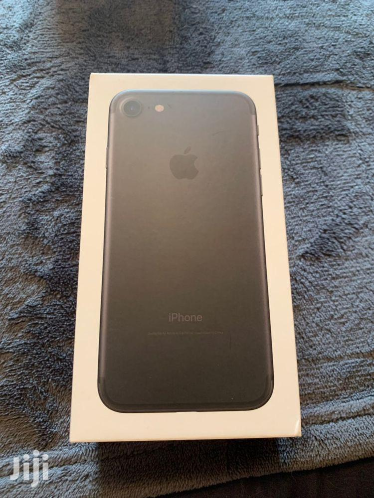 Archive: New Apple iPhone 7 32 GB Black