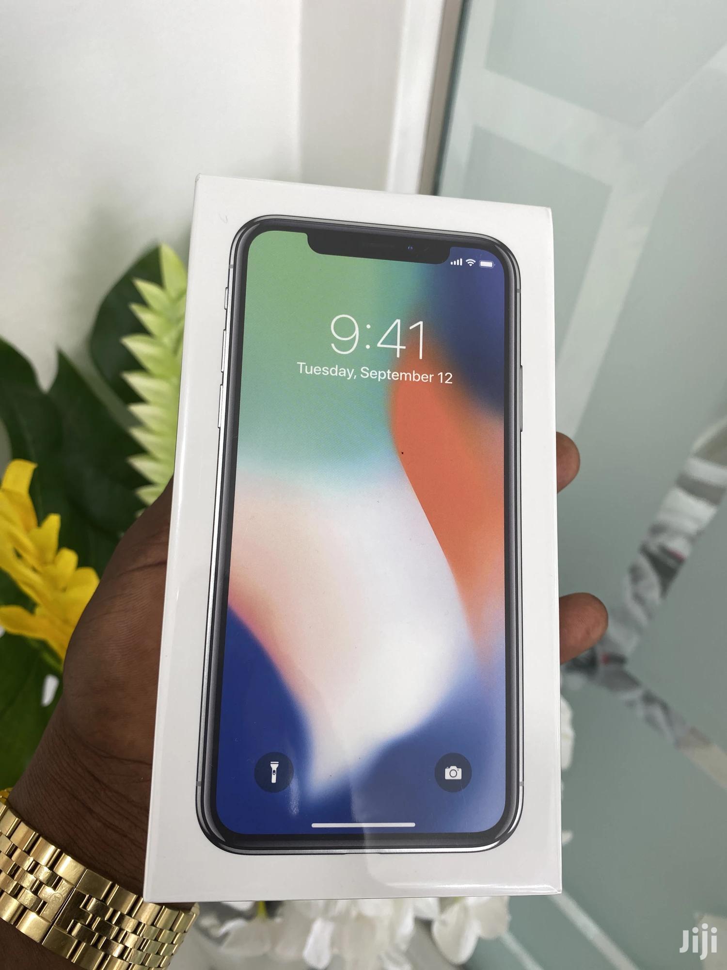 New Apple iPhone X 256 GB Silver