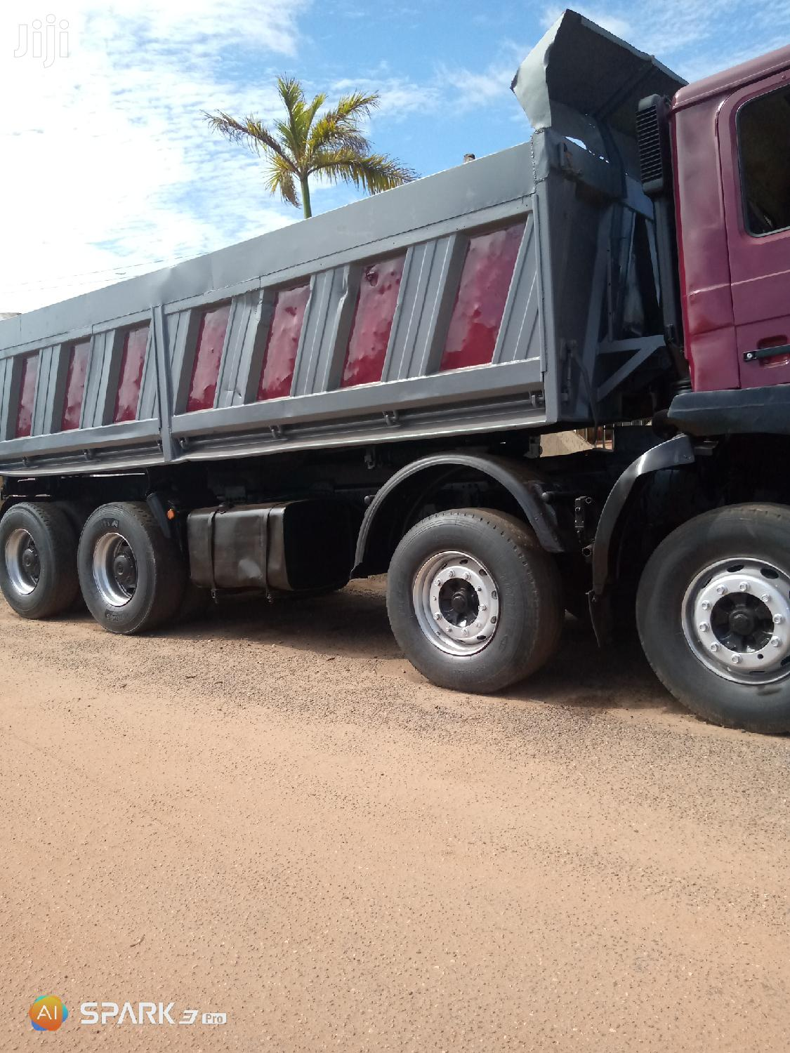 Tiper Truck With a Good Engine for Sale. 160,000
