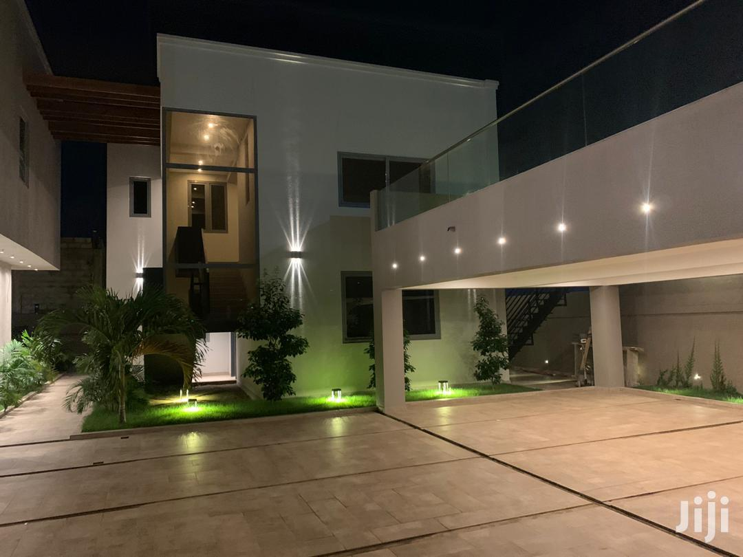 Amazing 5 Bedroom 🏠 With Swim Pool For Sale @ Airport Hills