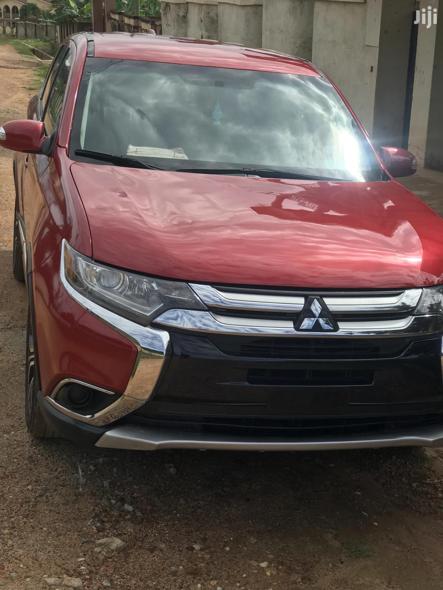Archive: Mitsubishi Outlander ES AWC 2017 Red