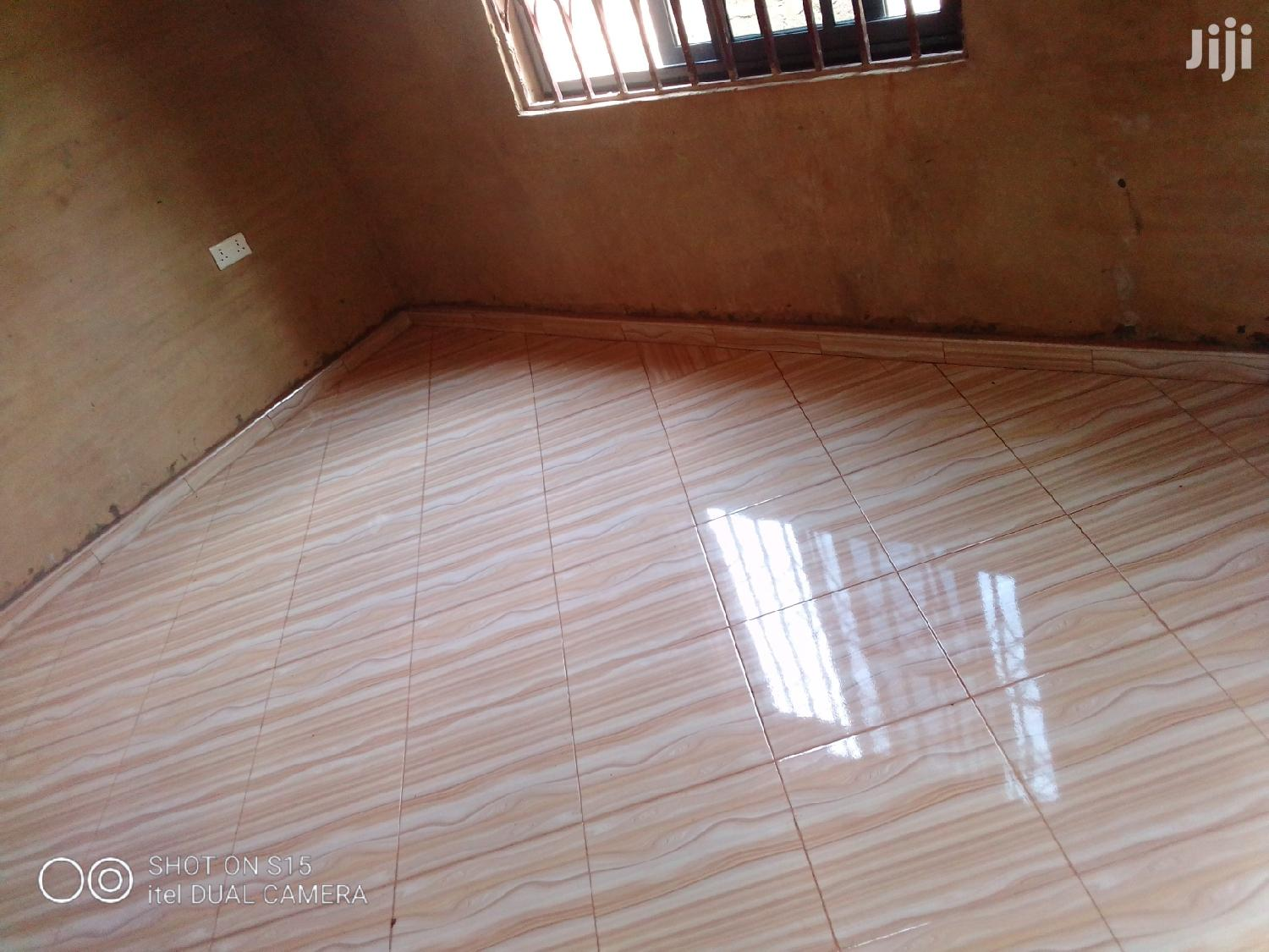 Archive: 1 Year Executive Chamber and Hall Self Contain for Rent v 50