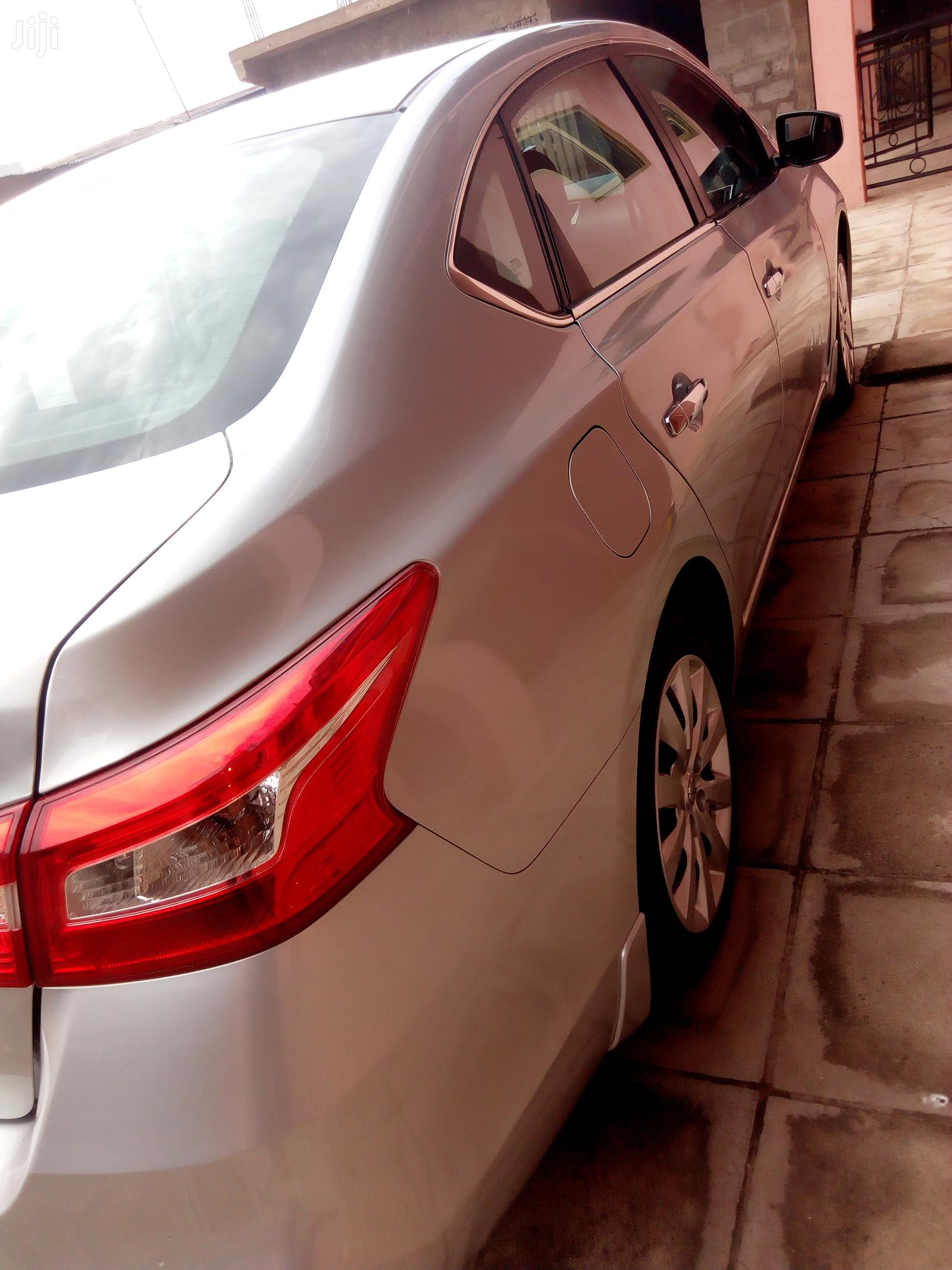 Archive: Nissan Sentra 2016 S Silver