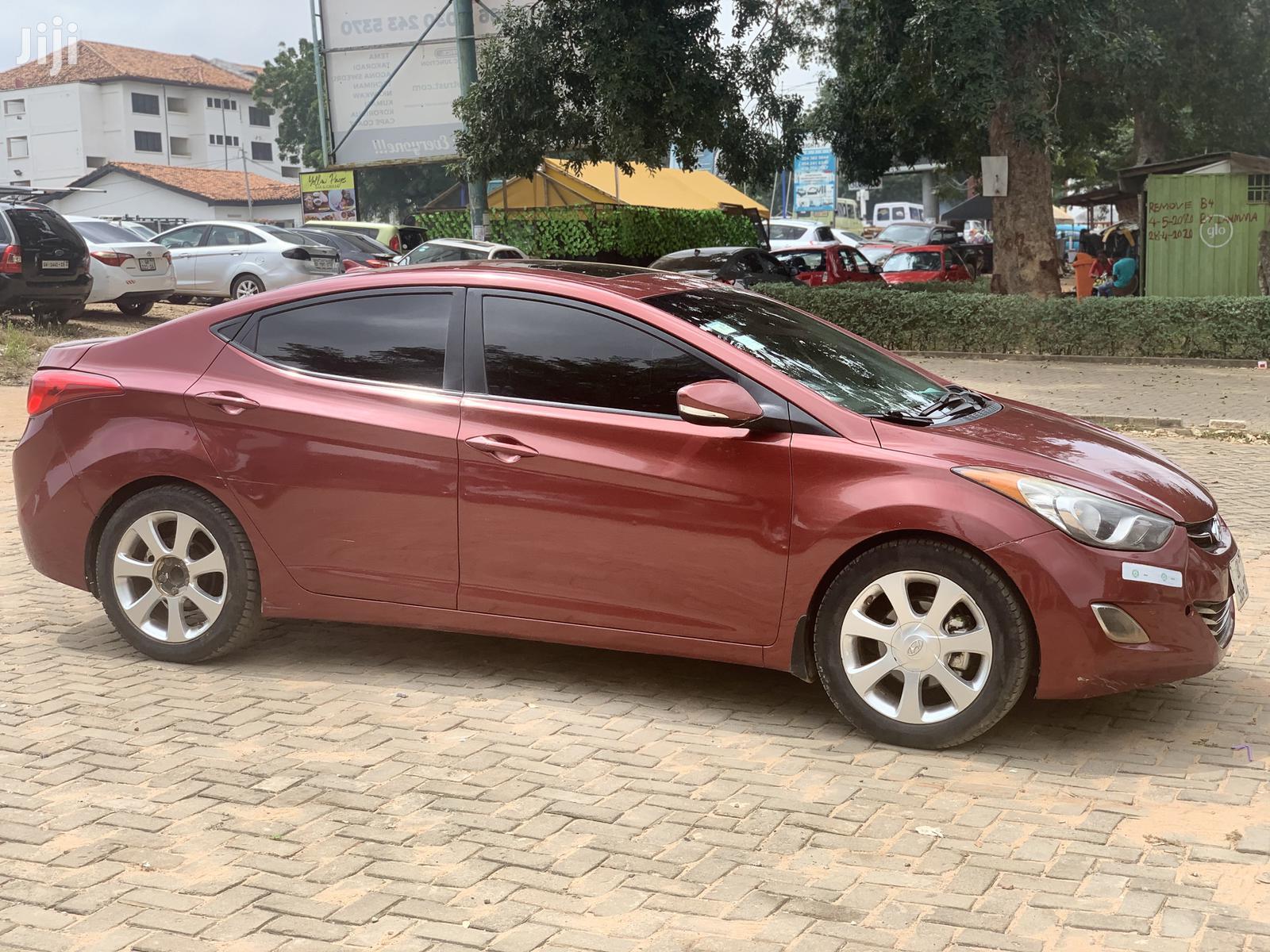 Archive: Hyundai Elantra 2013 Beige