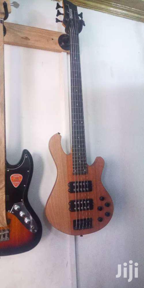 Ibanez 5 Strings Woody Bass