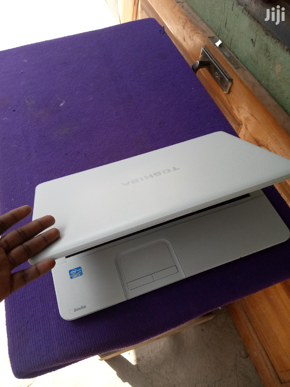 Archive: Laptop Toshiba NB300 4GB Intel Core I5 HDD 500GB