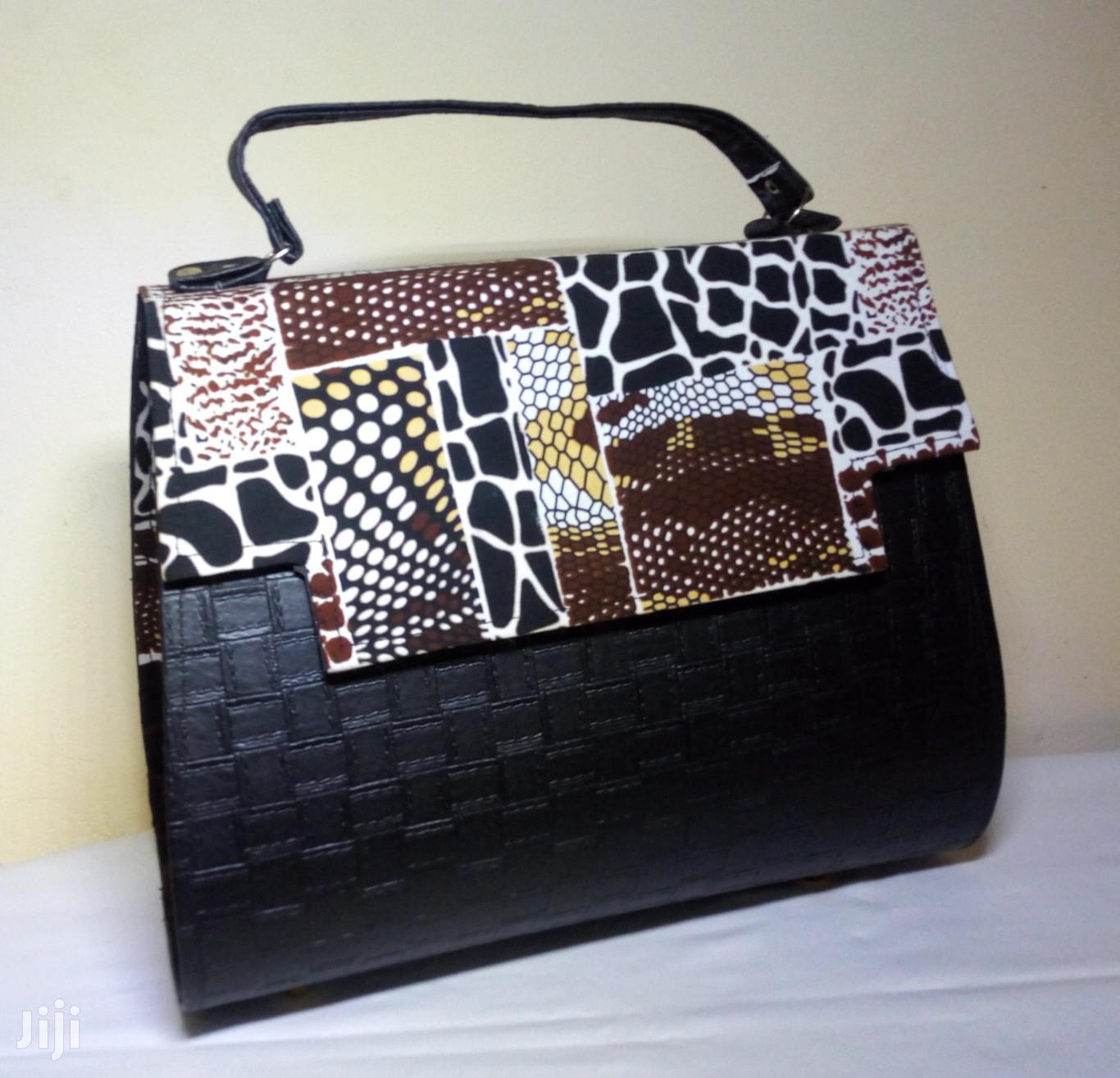 Beautiful Ladies Handbag - Multicolour