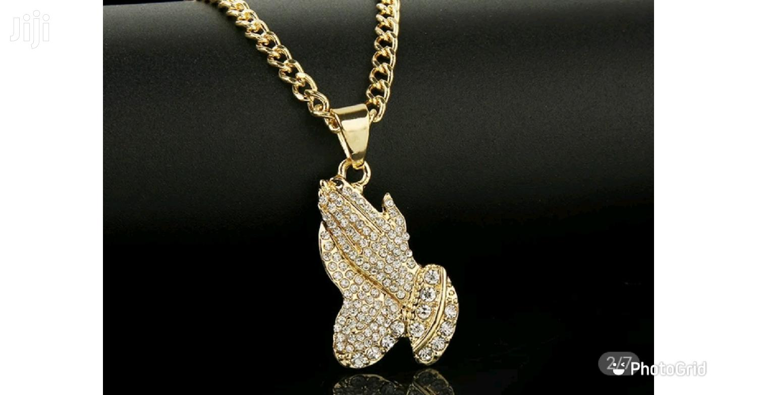 The Praying Hand Pendants And Necklaces Gift Gold Color