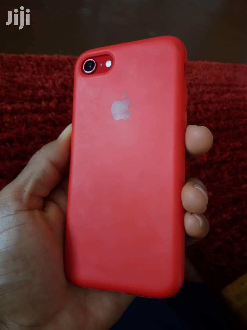Archive: Apple iPhone SE (2020) 64 GB Red