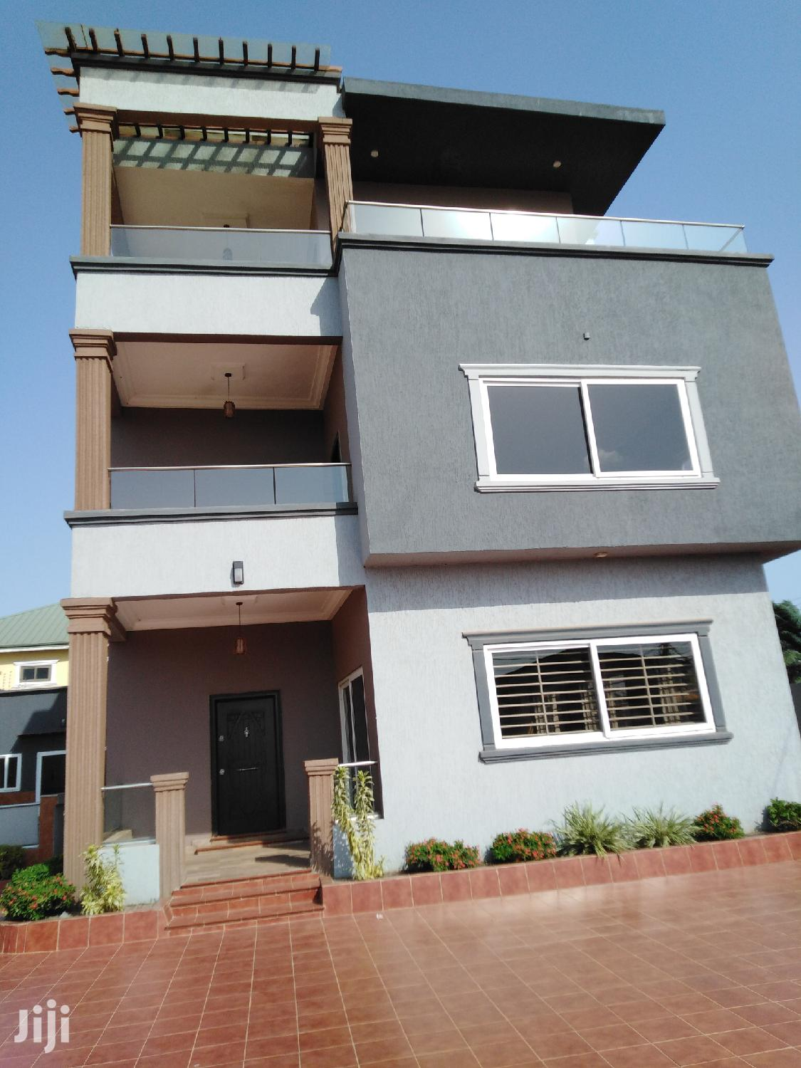 5BRMS With A Penthouse And Rooftop Patio For Sale At Airport