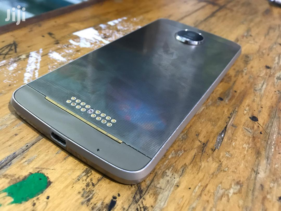 Archive: Motorola Moto Z2 Play 32 GB Black