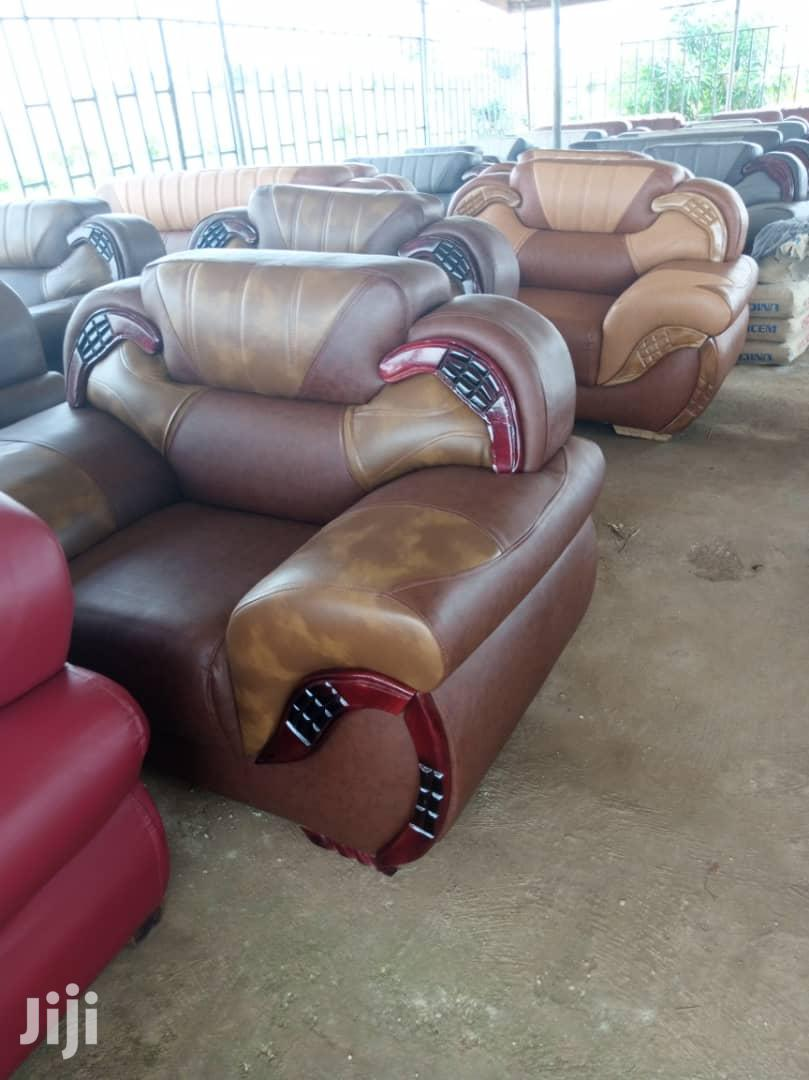 Quality Sofas Leather (Free Delivery)