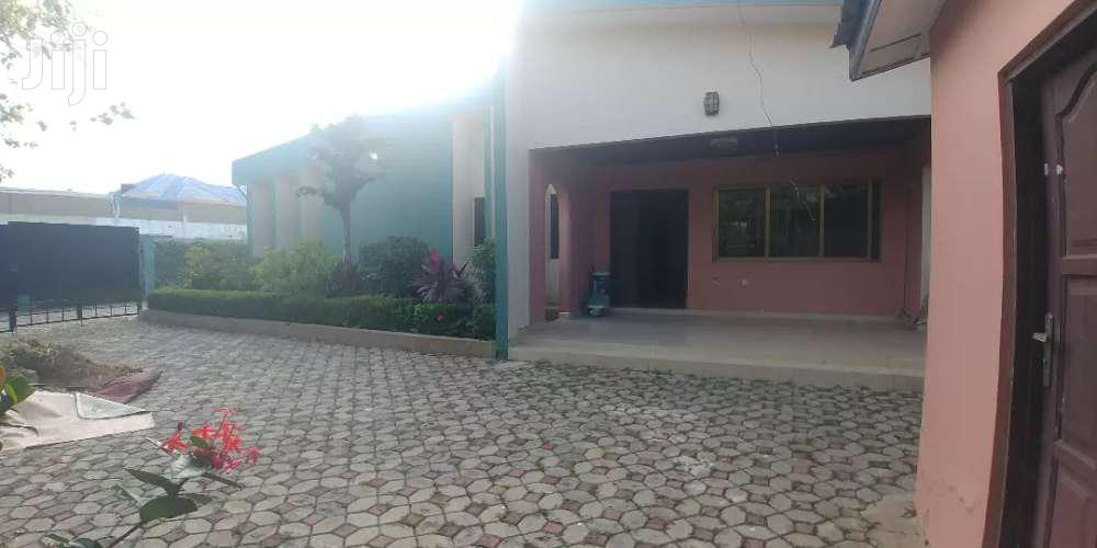 3bedrooms House For Rent,Abelemkpe.