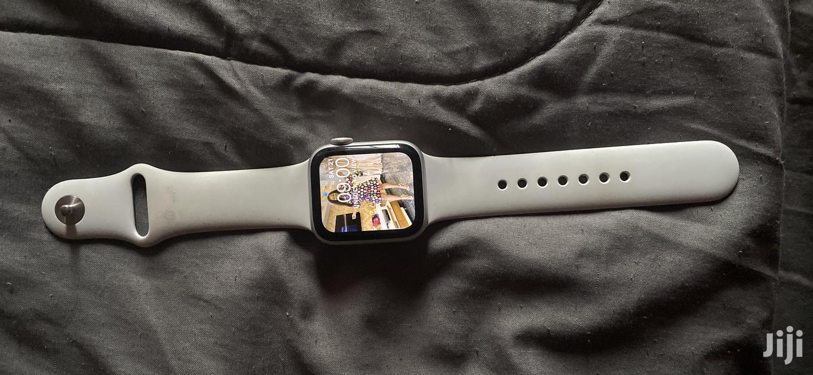 Apple Watch Series 5 ..40mm