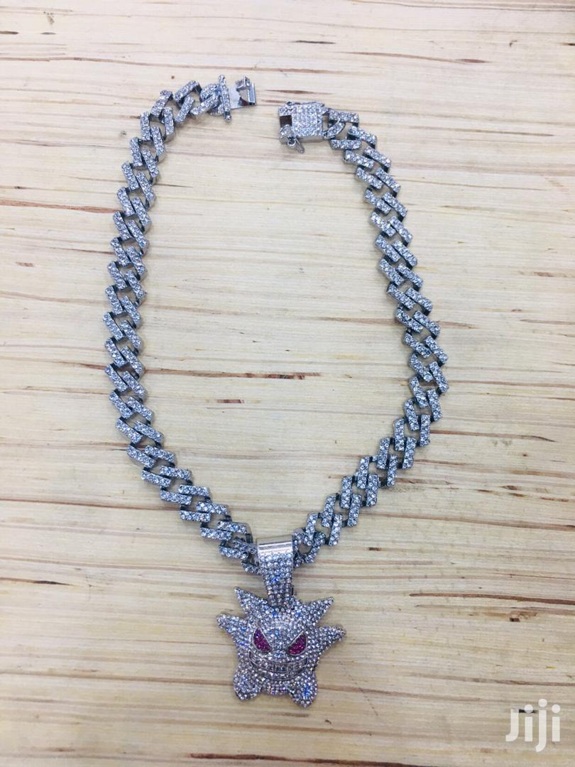 Iced Out Cuban Link Chain Iced Out Pendant