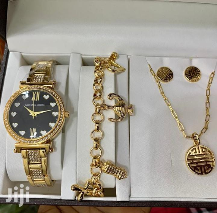 Archive: Set of Ladies Watch With Bracelet, Necklace and Earring