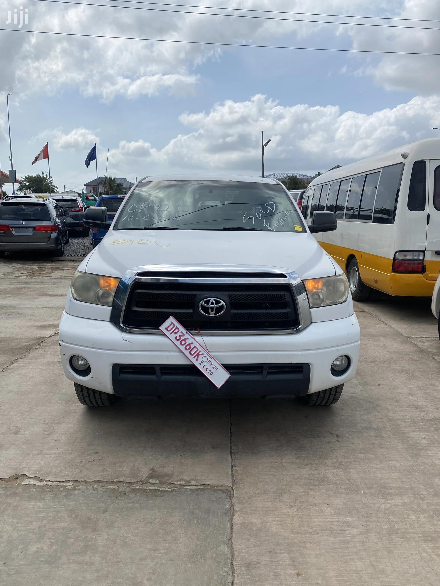 Toyota Tundra 2011 Double Cab 4x4 Limited White